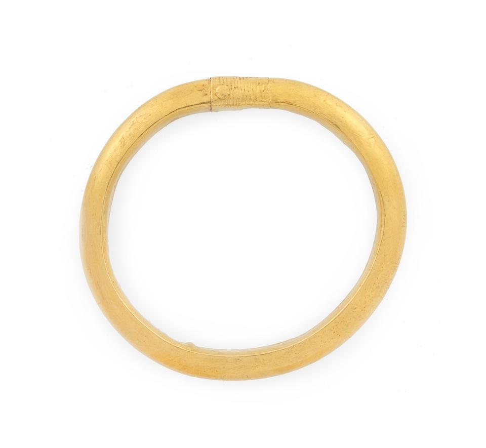 A Roman gold bracelet