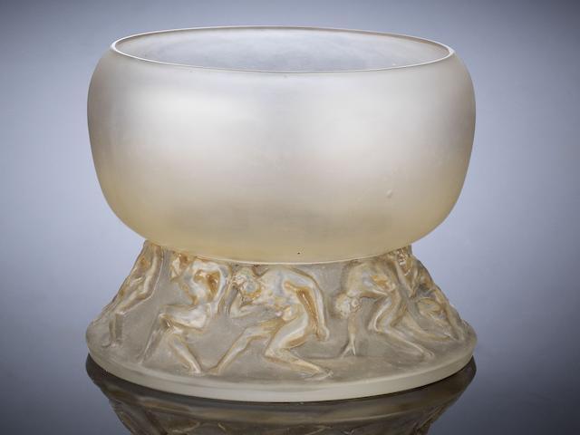 René Lalique (French, 1860-1945) A 'Lutteurs' Vase, designed in 1914