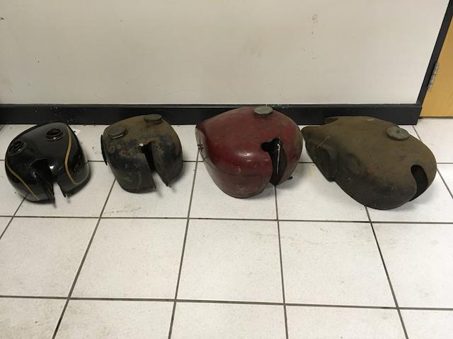 Four fuel tanks  ((4))