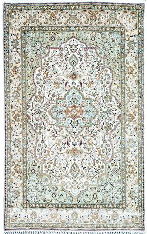 A Kashan rug Central Persia 106cm x 161cm