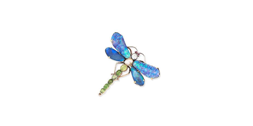 A gem-set dragonfly brooch