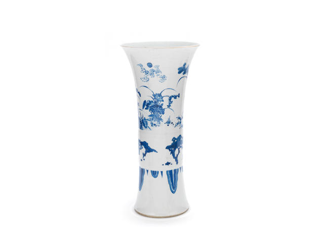 A blue and white sleeve vase Chongzhen