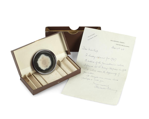 FLEMING (SIR ALEXANDER) Presentation sample of penicillin, mounted by Fleming in the original medallion presentation case, with autograph covering letter, London, 12 and 13 December 1946