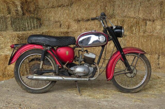 1965 BSA 172cc D7 Bantam Super Frame no. D7 50257 Engine no. FD7 9468