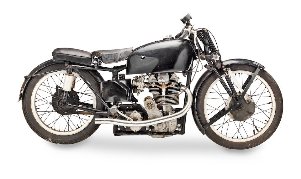 To be sold as a pair ,c.1948 Velocette 350cc KTT MkVIII Duke Reynolds Replica Frame no. n/a Engine no. KTT 980 (see text)