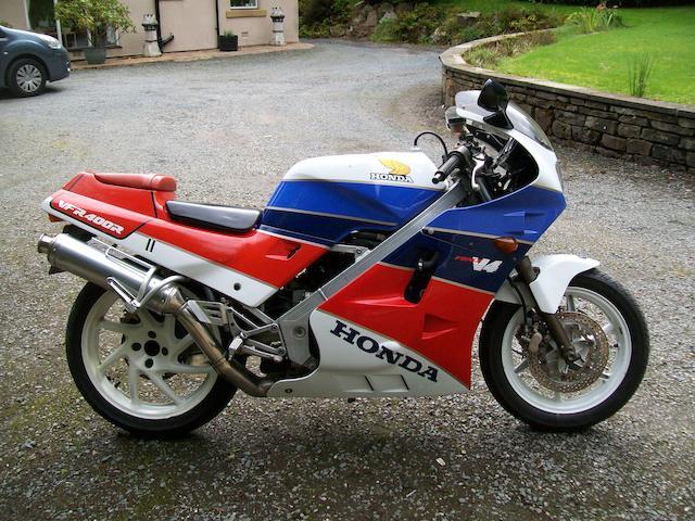 1990 Honda VFR400R Type NC24 Frame no. NC24 1030302 Engine no. NC13E 1080303