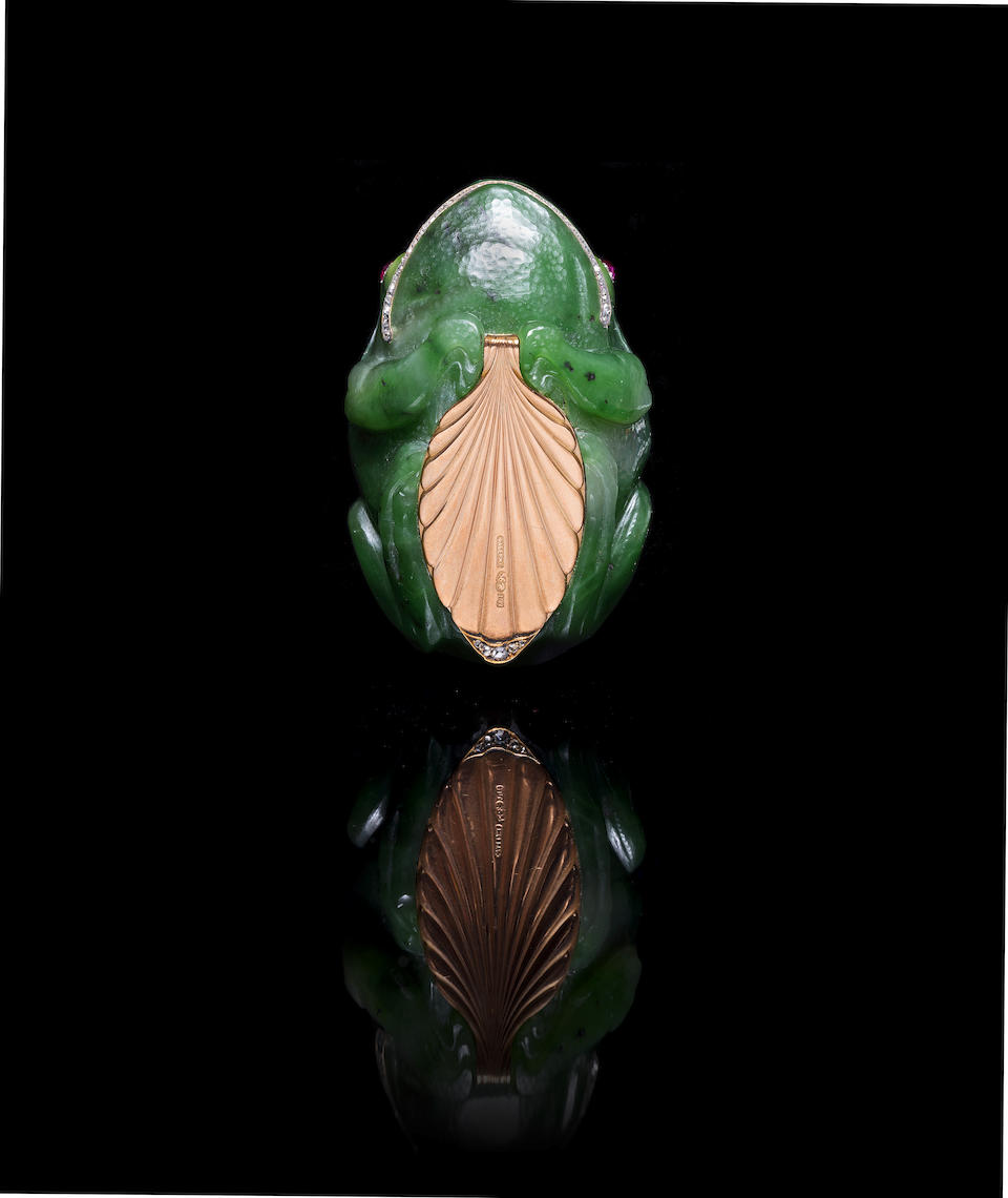 A jewelled nephrite frog pillbox Fabergé, workmaster Michael Perkhin, St. Petersburg, before 1899, scratched inventory number 25261