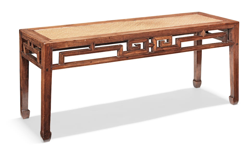 A rare pair of huanghuali benches, banzhuo Mid-Qing Dynasty (2)