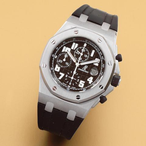 Audemars Piguet. A stainless steel automatic calendar chronograph bracelet watch  Royal Oak OffShore, Sold 9th August 2007