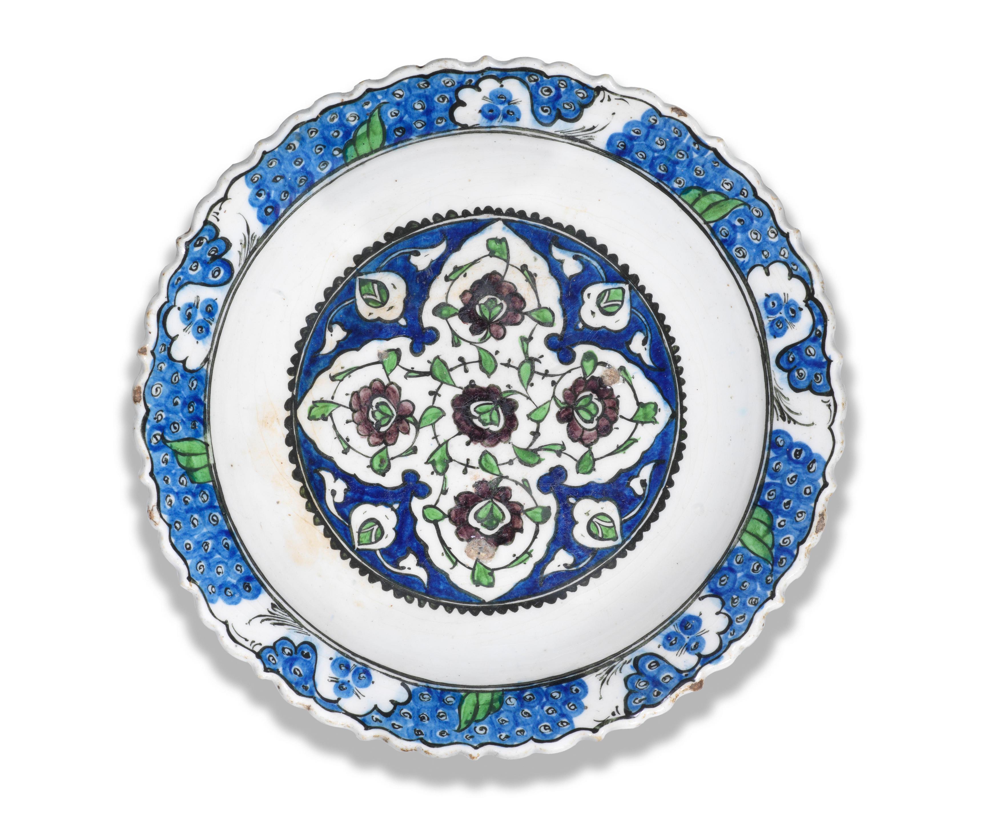 A Damascus underglaze-painted pottery dish