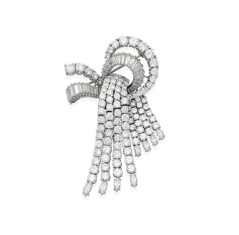 A diamond tassel brooch,