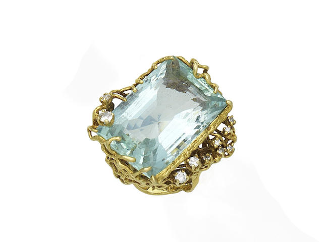 An aquamarine and diamond ring, by L'Cise,