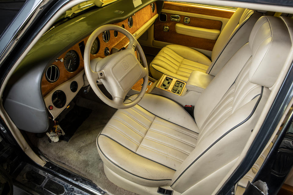 1998 Rolls-Royce  Silver Spur Armoured Touring Limousine  Chassis no. SCAZW19C4WCX80253
