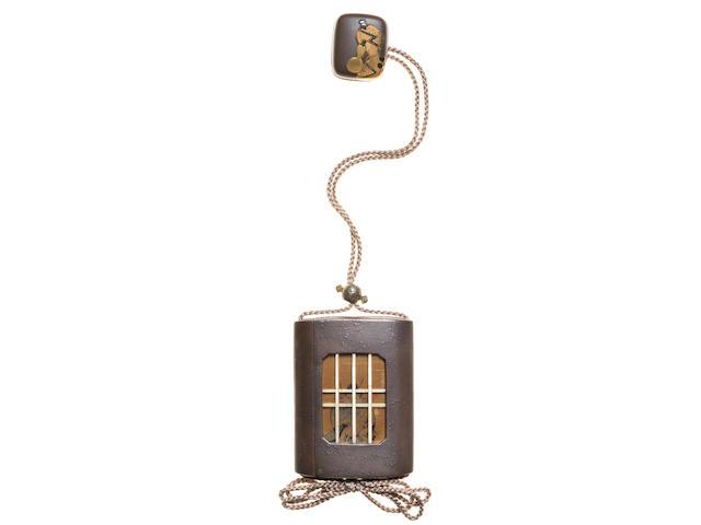 SHIBATA ZESHIN 柴田是真 (1807–1891) INRŌ (MEDICINE CASE) WITH DESIGN OF SHŌKI THE DEMON-QUELLER AND A DEMON, AND NETSUKE (TOGGLE) WITH SAKE-BOTTLE DESIGN 鍾馗鬼遣図蒔絵鞘印籠 酒瓢図蒔絵根付 Meiji era (1868–1912), circa 1886