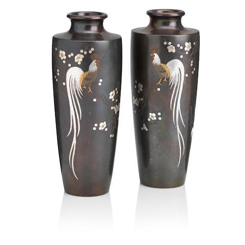 A mirrored pair of inlaid-bronze vases By Mitsufune, Meiji era (2)