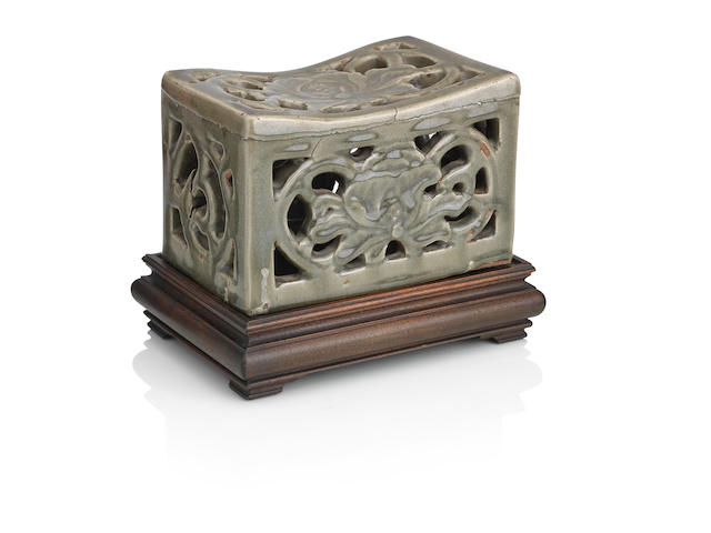 A Longquan celadon-glazed pillow Ming Dynasty