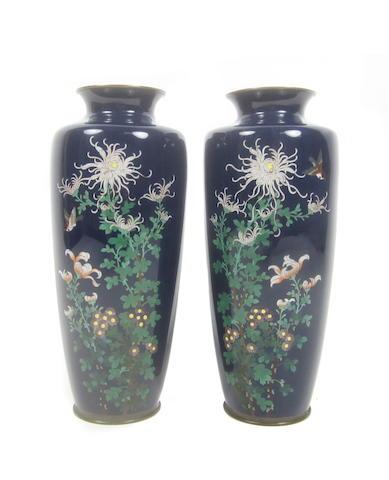 A mirrored pair of cloisonné-enamel vases Meiji era (2)