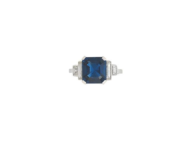 A sapphire and diamond ring, Art Deco