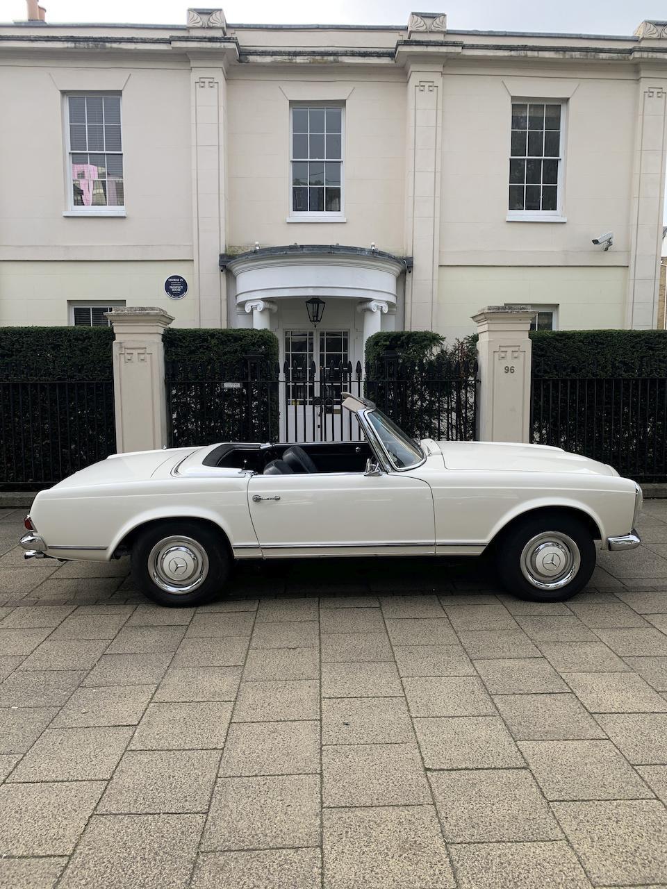 1966 Mercedes-Benz 230 SL   Chassis no. 113.042-22-015736