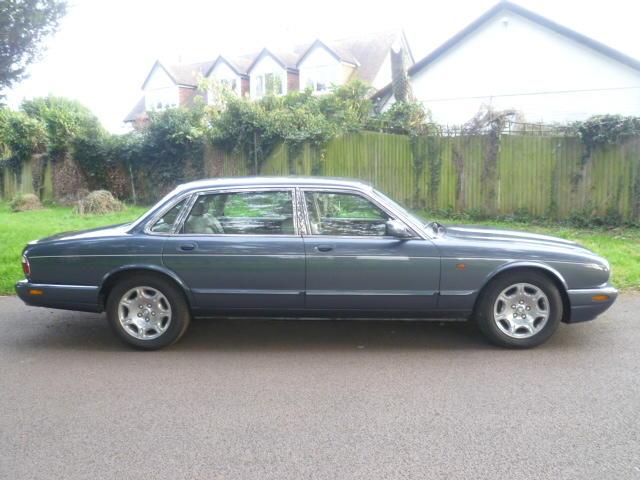 1999 Jaguar Sovereign V8 Auto  Chassis no. SAJAC23E4YLF01308