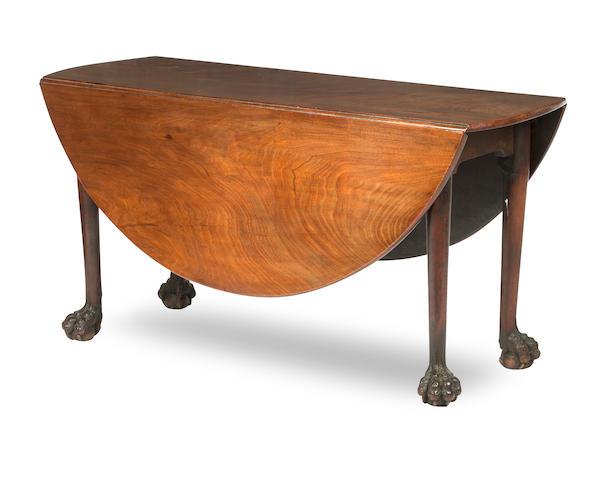A Geroge II mahogany drop-leaf dining table