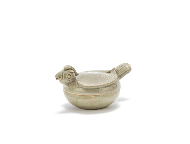 A rare Yue celadon 'bird' box and cover Five Dynasties