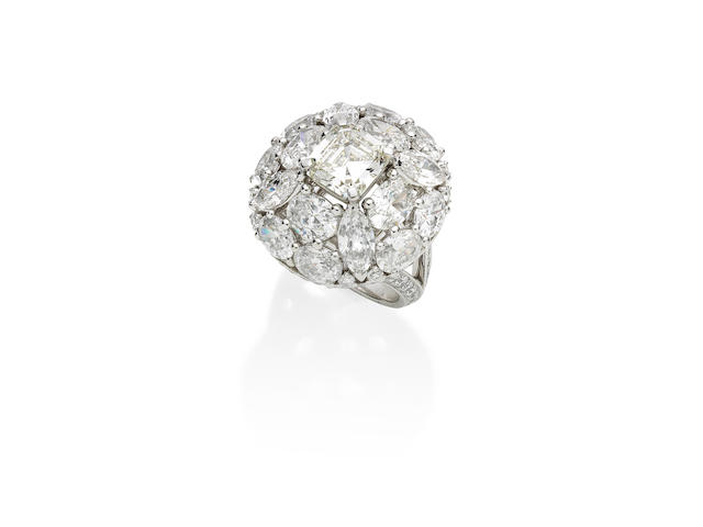 A diamond cluster ring, by Graff