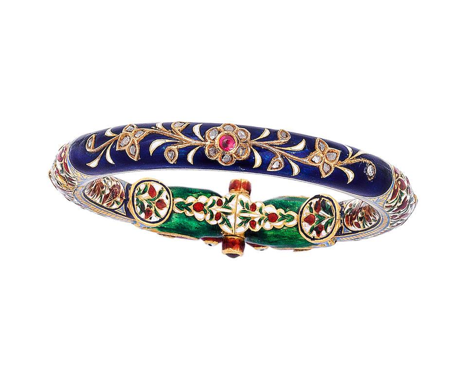 A gem-set enamelled gold bangle (kada) North India, 20th Century