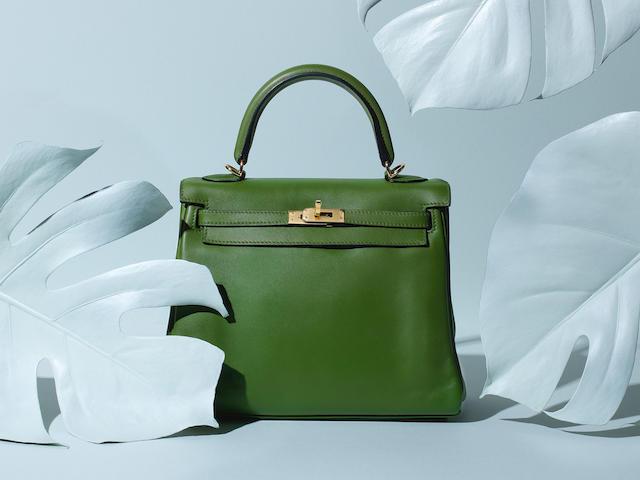 Pelouse Swift Kelly 25,  Hermès, c. 2010, (Includes strap, padlock, keys, cloche, rain jacket and dust bag)