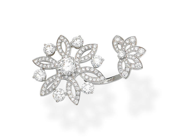 Elvina: Diamond flower ring