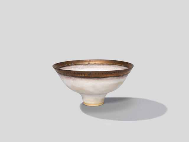 Lucie Rie Footed bowl, circa 1980