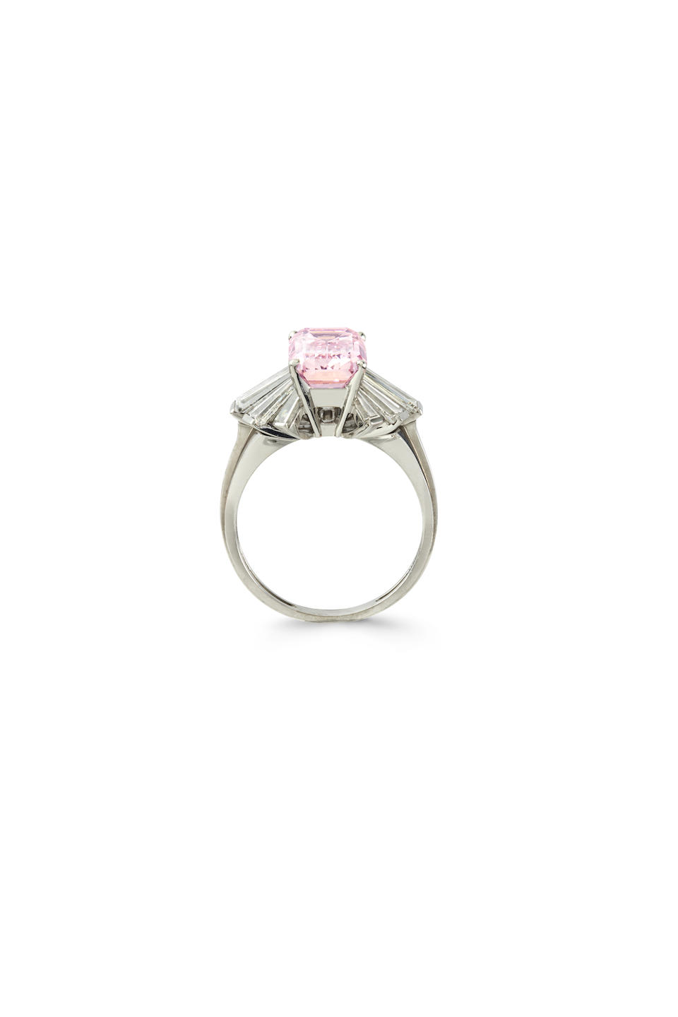 AN IMPORTANT FANCY PINK DIAMOND AND DIAMOND RING, BY MEISTER,