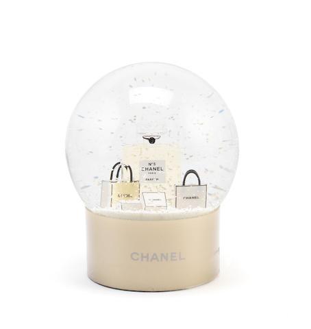 Chanel No 5 Snow Globe, Chanel, VIP gift, (Includes box)