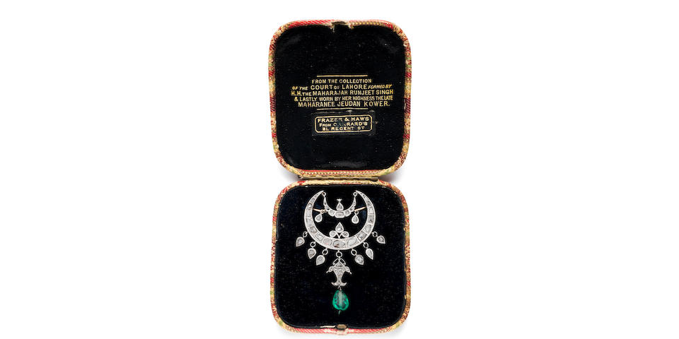 A diamond-set forehead pendant (chand-tikka) from the collection of Maharani Jindan Kaur (1817-63), wife of Maharajah Ranjit Singh (1780-1839) Punjab, Probably Lahore, first half of the 19th Century