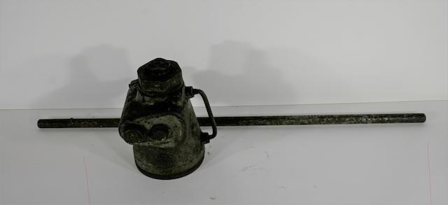 An ERN Lake 4 ton bottle jack,  ((4))