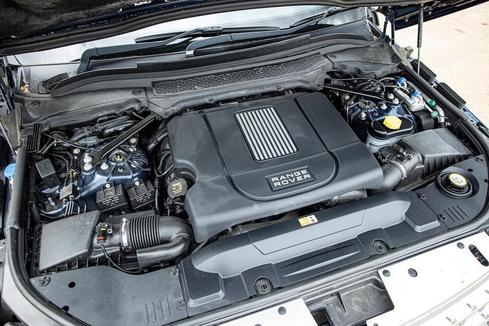 The ex-Royal Household,2013 Range Rover Vogue SE  Chassis no. SALGA2JE7DA1158