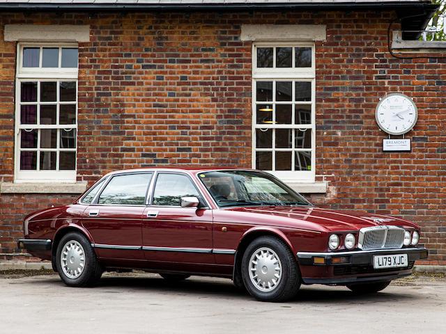 1994 Jaguar XJ40  Chassis no. SAJJFALG3AJ686180