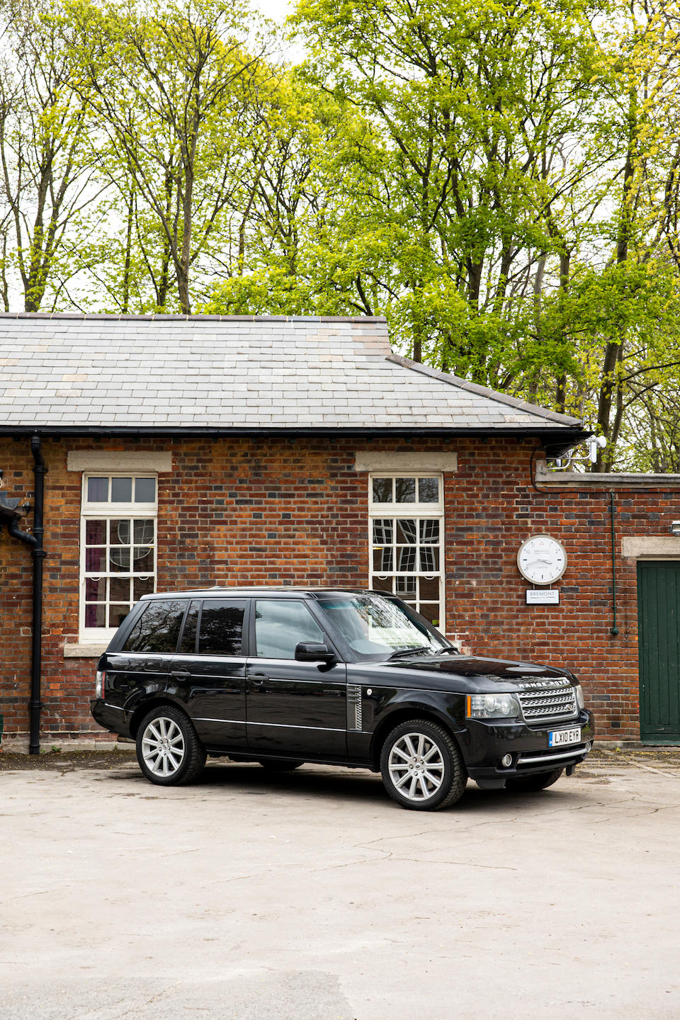 2010 Range Rover 5.0 V8 Supercharged Autobiography  Chassis no. SALLMAME3AA320312