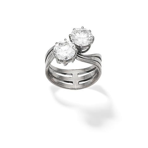DIAMOND TWO-STONE RING