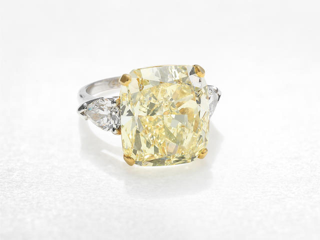GRAFF: FANCY COLOURED DIAMOND AND DIAMOND RING